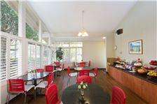 Ramada by Wyndham Santa Barbara - Hotel Dining Area