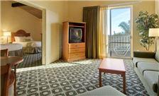 Ramada Santa Barbara - Gardenside Suite